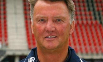 Arsenal contact van Gaal, as uncertainty heightens over Wenger's future