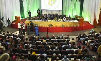 Confab wants government shut down for budget impasse