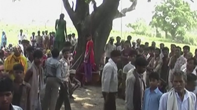 Gang rapes and hangs teenagers in India
