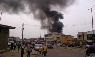 Fire razes 118 shops in Jos