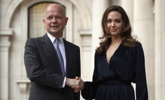 Angelina Jolie, Hague vow action to end sexual violence