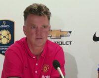 Van Gaal won't change United system