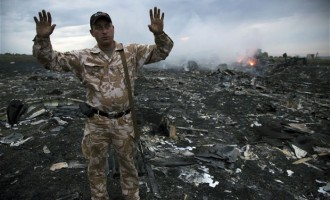 Rebels recover MH17 black boxes