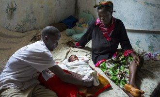 Ebola: Rejected woman delivers twins on the street
