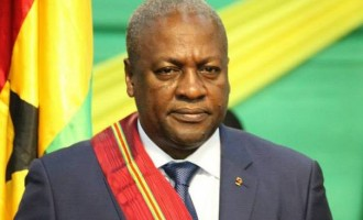 Mahama, former Ghanaian president, appeals to FG to reopen land borders