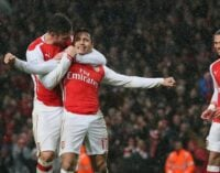 10-man Arsenal hold on to beat QPR…Chelsea, City, United win