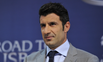 Luis Figo to run for FIFA presidency