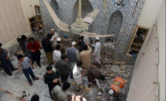40 killed, 50 injured as blast hits Pakistani mosque