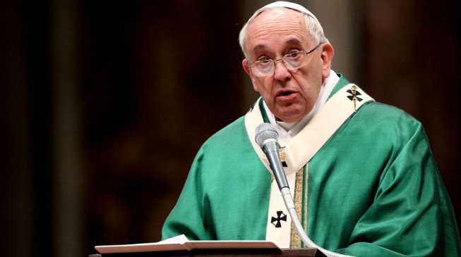 Pope Francis makes divorce free, easier for Catholics