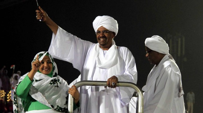 Sudan military: We won't hand Al-Bashir over to ICC