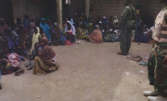 Troops 'rescue' 370 Boko Haram captives