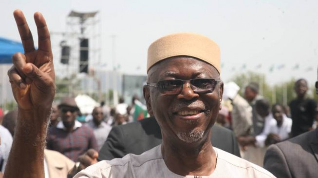 Oyegun: APC is broke but we won't ask Buhari