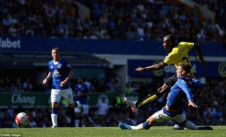 Ighalo agrees new contract with Watford until 2020