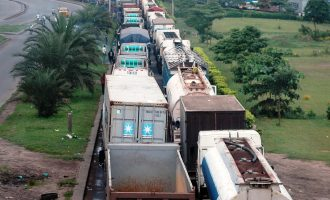 Lagos begins evacuation of tankers on Apapa-Oshodi expressway