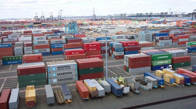 Report: Moving goods from Apapa port 10 times costlier than Ghanaian, South African ports
