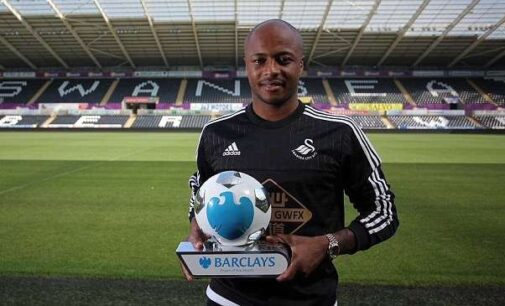 Andre Ayew wins Premier League award