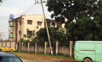 ALERT: Like it happened in UNILAG, this dangling high-tension pole could electrocute someone