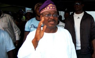 Oyo slashes salaries of political office holders by 50%