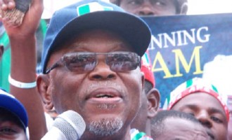 It's 'normal' that PDP members are being prosecuted for corruption, says Oyegun