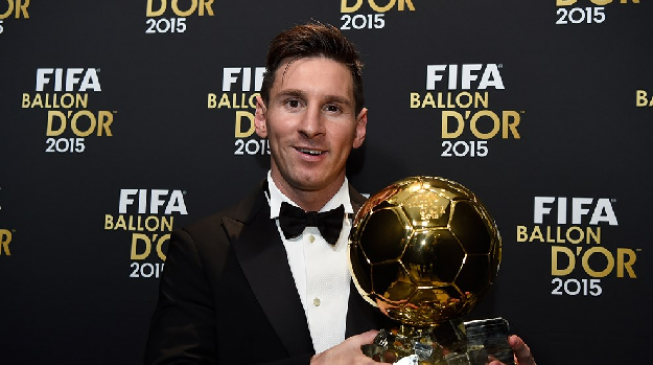 Messi beats Ronaldo to claim fifth FIFA Ballon d'Or