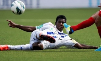 Cameroonian footballer collapses on pitch, dies