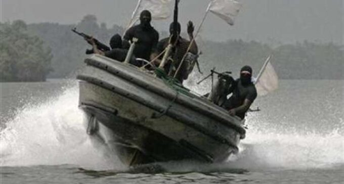 Niger Delta Avengers threatens to 'bring down' oil facilities and 'humble the economy'