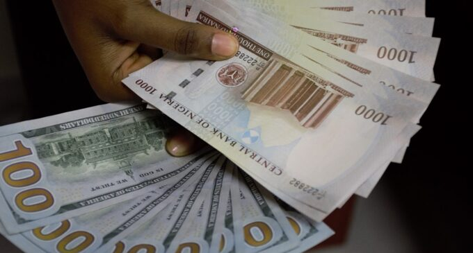 Naira to trade at 386/$ as CBN resumes FX sale to BDCs