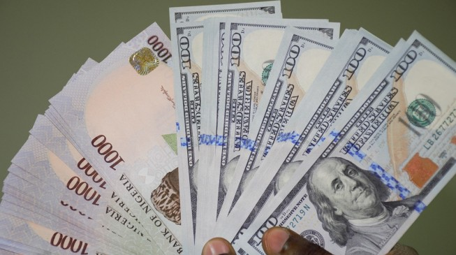 Naira gains, despite consecutive fall in foreign reserves