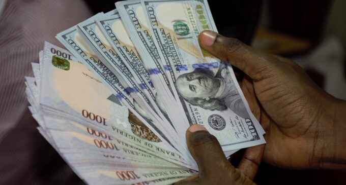 Oil prices 'may hinder naira' from benefits of weak dollar