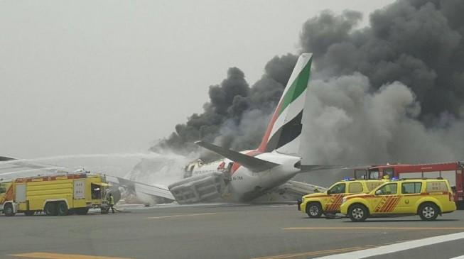 Dubai halts departure flights as Emirates plane crash-lands