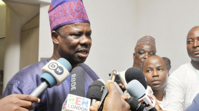Amosun to assist Immigration in 'flushing out' illegal aliens