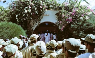 PHOTOS: Buhari hosts corp members, thanks Gowon for NYSC scheme