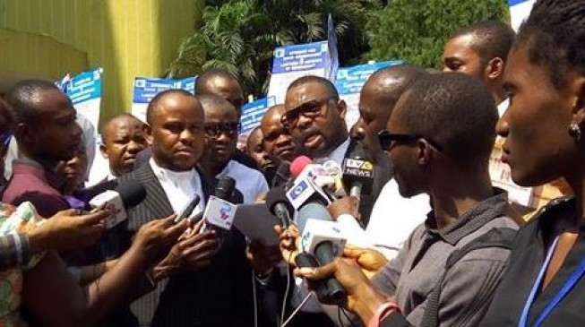 Lawyers hit the streets to stop DSS from 'harassing courageous judges'