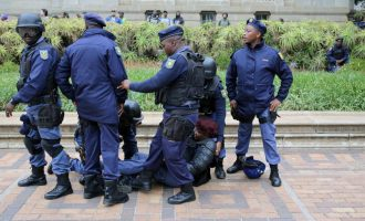 South African policemen remanded in prison over death of Nigerian