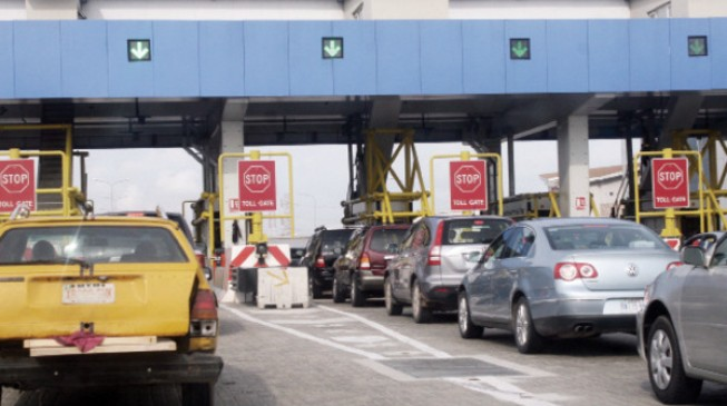 Senate wants toll gates back on federal roads