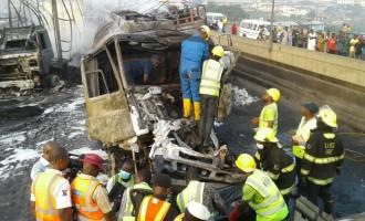 3 die as accident causes total traffic lockdown on Lagos-Ibadan expressway