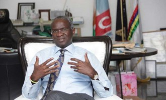 Fashola: FG will soon supply 3 million prepaid meters to Nigerians