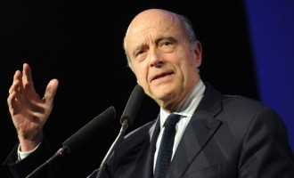 I'm no Clinton, says poll-favoured French presidential candidate