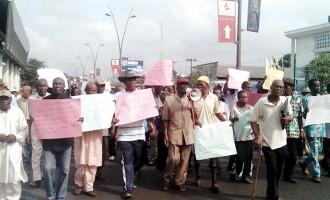 Pensioners beg Ikpeazu to pay 3 years' arrears