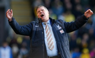 Deeney's goal denies Allardyce first win as Eagles manager