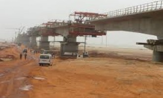We'll continue the work on second Niger bridge, says Fashola