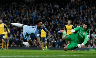 Sterling's comeback scuttles Arsenal's hope