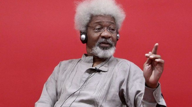 Soyinka: People creating distraction in anti-corruption war should be prosecuted