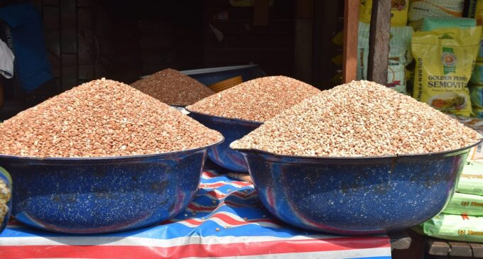 'Oats went from N650 to N1700' — Nigerians on Twitter lament hike in prices of goods