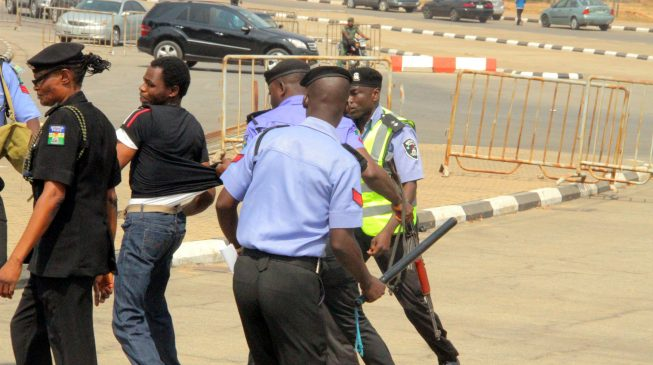 Police arrest 52 Shi'ites, 'recover petrol bombs'