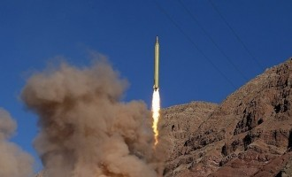 US sanctions: Iran responds with missile test to 'showcase power'