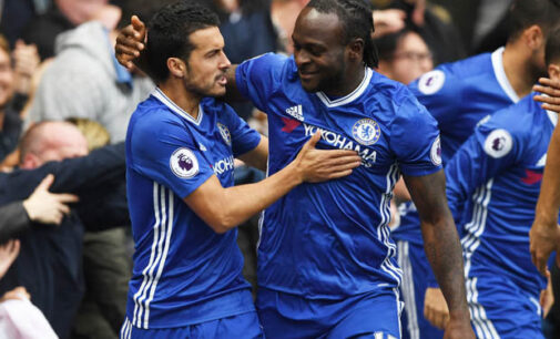 Moses stars as Chelsea move closer to EPL title