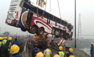 I was trapped for nearly 2 hours, says man who boarded bus that plunged into river
