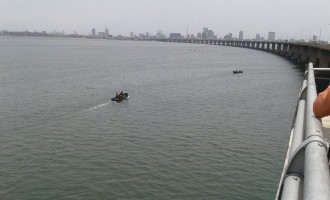 Policewoman killed, 19 rescued as boat capsizes off third mainland bridge