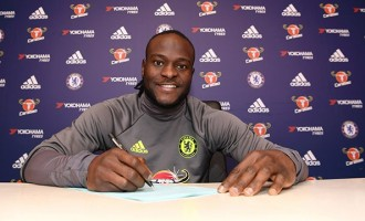 Victor Moses extends Chelsea contract until 2021